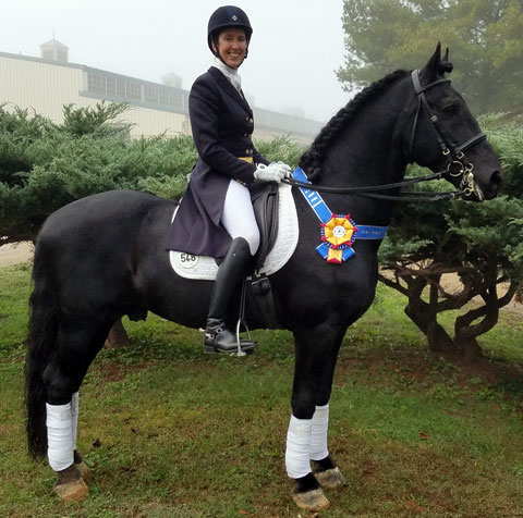 Barbara Strawson and Ivan compete at Grand Prix